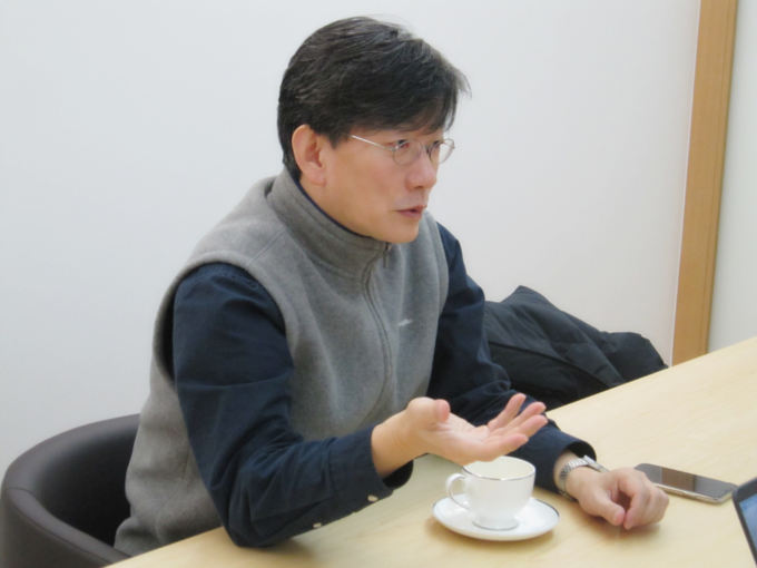 """손석희 JTBC 보도담당 사장은 지난 25일 기자협회보와의 인터뷰에서 """"태블릿이 발견된 사무실을 열어준 건물 관리인은 '우리 뉴스만 믿는다'고 했다""""고 강조했다."""
