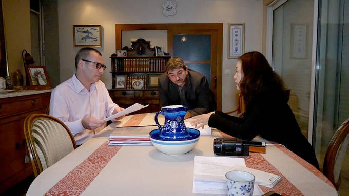김영미 PD가 스텔라데이지호 블랙박스 수색과 관련해 2009년 대서양에서 추락한 에어프랑스 447편 유가족협의회로부터 사고 수습 과정을 듣고 있다.(시사IN)