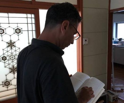 """예멘 신문기자였던 하니와 무니르는 난민이 됐다. 이들은 """"기회가 된다면 여기서든 전쟁이 끝난 예멘에서든 기사를 쓰고 싶다. 저널리즘이 내가 아는 전부다""""라고 말했다. 사진제공=조혜림 코리아헤럴드 기자"""